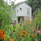 Villatuin Hilversum 5 verstoppertje achter bloemenborder
